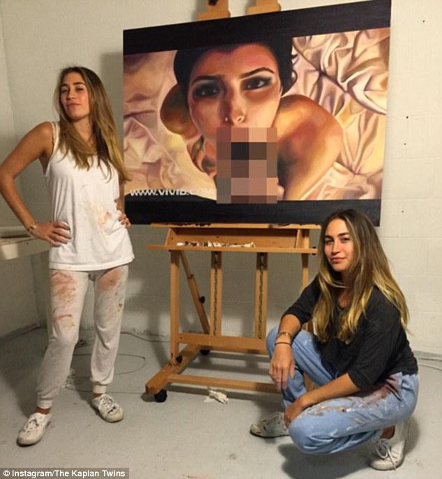Kardashian sextape vereeuwigd op schilderijen sexy tweeling