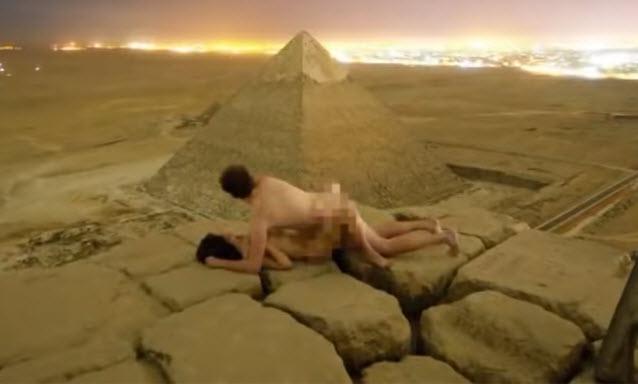 Ophef in Egypte na seksvideo op piramide